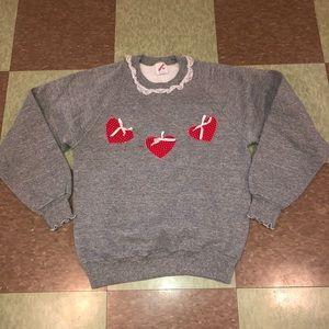 UO Vtg Crewneck Lace picnic sweatshirt sm heart